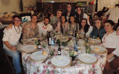 La Falla General Pando celebra su noche «Flower Power» con Novaterra Catering